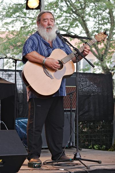 Jean-Michel Piton à Musicalarue 2015 - cc by-sa manu'pintor - août 15