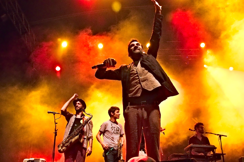 Babylon Circus à Musicalarue 2015 - cc by-sa manu'pintor - août 15