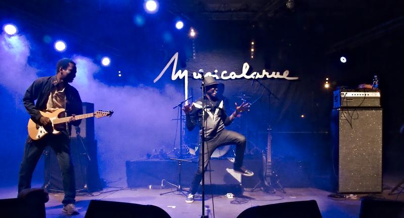 Songhoy Blues à Musicalarue 2015 - cc by-sa manu'pintor - août 15