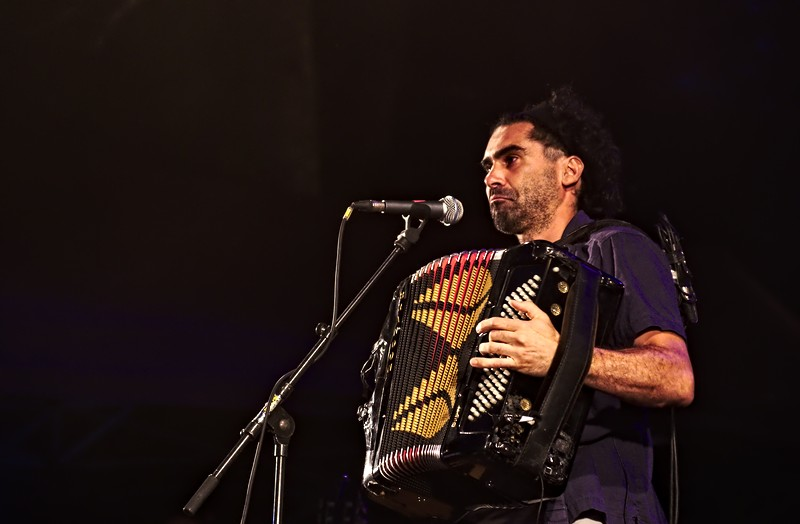 Fredo chante Renaud à Musicalarue 2016 - cc by-sa manu'pintor - août 16