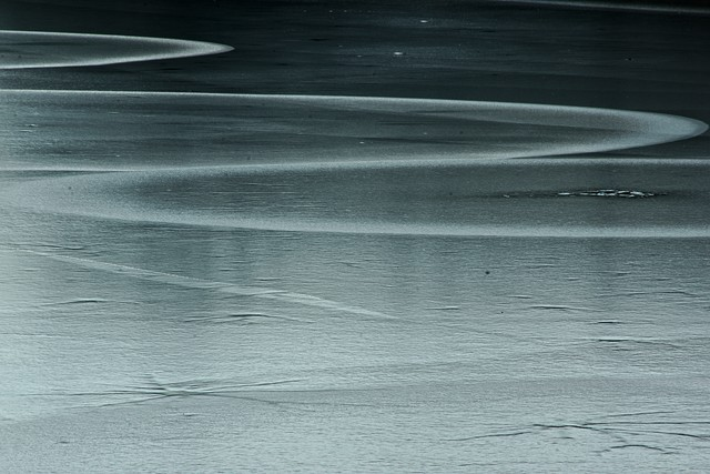 Lac gelé - cc by-sa manu'pintor - https://lepassepartout.fr