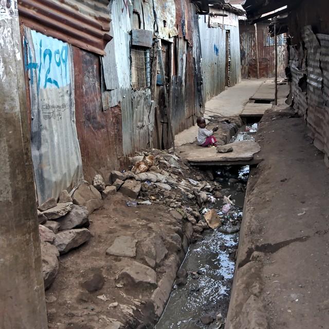 Slum of Mathare (Nairobi) - cc by-sa manu'pintor - avril 14