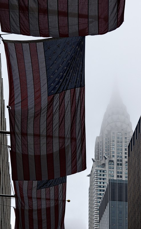 NYC Chrysler Building in the clouds - cc by-sa manu'pintor - avril 19