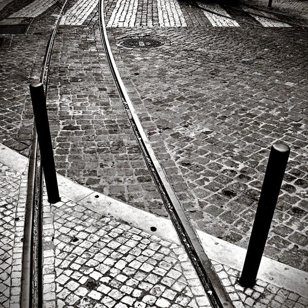 sur des rails... - cc by-sa manu'pintor - Lisbonne août 13